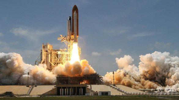 Los restos de un cohete chino fuera de control van a caer a la Tierra este fin de semana