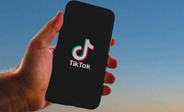 ganar dinero haciendo videos en TikTok